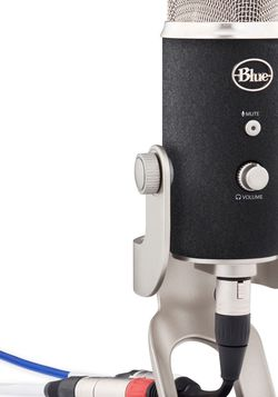 Blue Yeti Pro Multi-Pattern USB and XLR Microphone for Sale in Anaheim,  CA