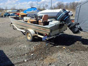 16' BASS TRACKER 2, 40 HP MERCURY for Sale in Rockwood, MI