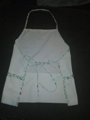 APRON / MANDIL. SIZE LARGE / GRANDE $20 for Sale in Long Beach, CA