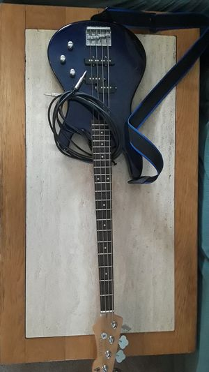 Bass guitar and amp for Sale in Cornelius, OR