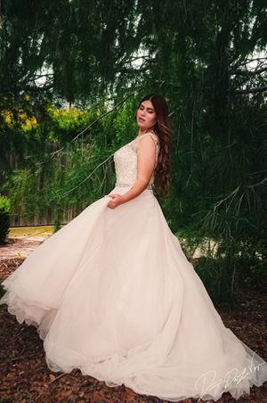 Wedding dress Size 12 for Sale in Redlands, CA