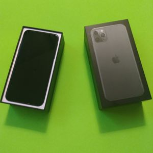 iPhone 11 Pro Max 64 GB (Unlocked) Mint Condition for Sale in Portland, OR