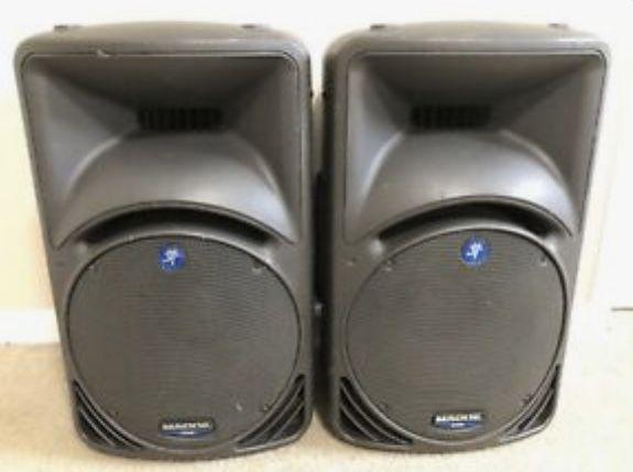 2 Piece Speaker Set with tripod stand