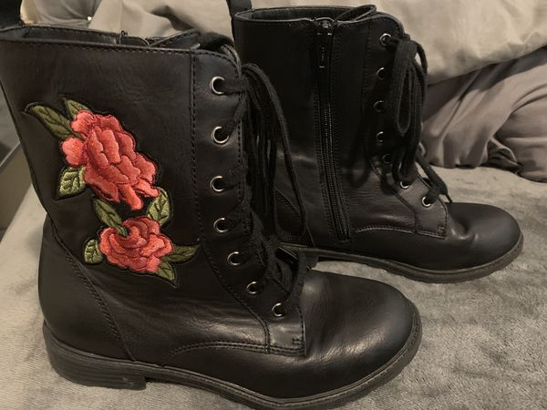 97dae1f79fba Girls boots 4 for Sale in Fontana