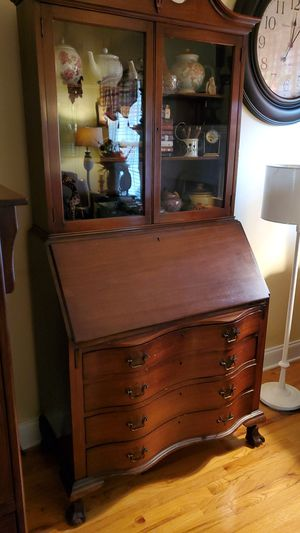 Antique secretary desk with hutch for Sale in Inman, SC