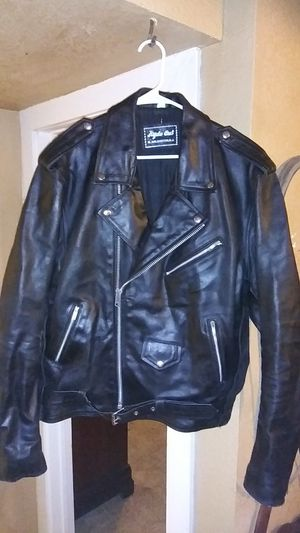 Hyde out mens heavy leather motorcycle jacket for Sale in Crandall, TX