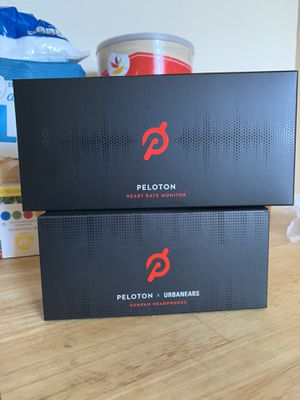 Peloton Heart Rate Monitor and Headphones for Sale in Queens, NY