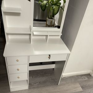 Dressing Table Makeup Dressing Table with Mirror 4 Mini Drawers with Sliding Rails Vanity Table Set for Sale in La Puente, CA