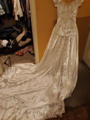 Mori lee wedding dress sz s for Sale in Las Vegas, NV