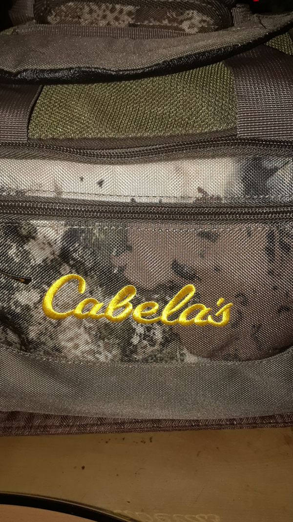 NEW CABELAS CARRY BAG MANY POCKETS NEW CONDITION SALE PRICE FIRM