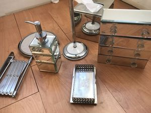 6 piece vanity set - chrome finish for Sale in Oakland, CA