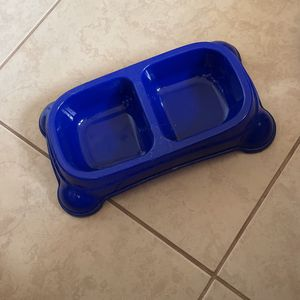 Pet Food & Water Bowl for Sale in Spring Hill, FL