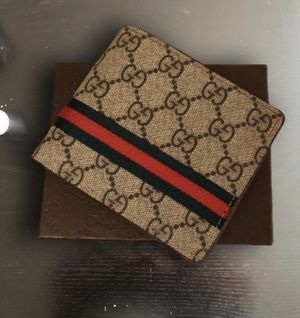 "Tan Gucci ""GG"" wallet for Sale in Los Angeles, CA"