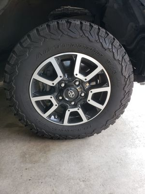 Tundra TRD Stock Wheels Rims for Sale in Johnsburg, IL