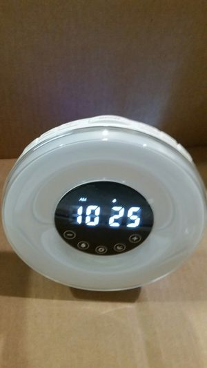 Digital alarm clock and night light with fm radio. for Sale in Lynwood, CA
