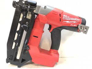Milwaukee M18 FUEL 18-Volt Lithium-Ion Brushless Cordless 16-Gauge Straight Finish Nailer (Tool Only) for Sale in Bakersfield, CA