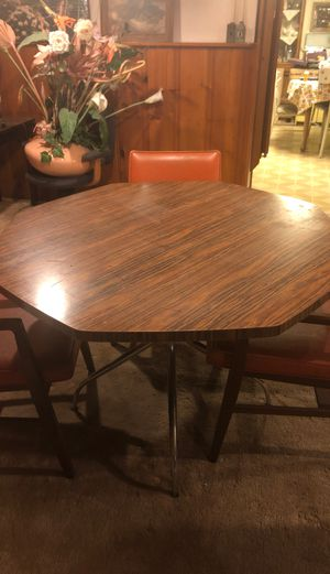 Kitchen table with three chairs for Sale in Parma Heights, OH