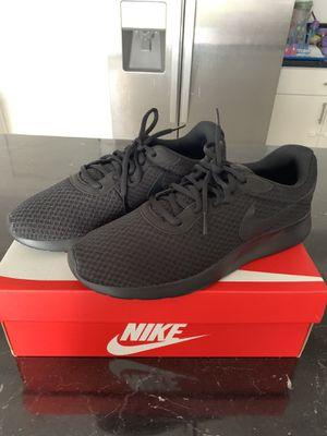 Nike Tanjun 8.5 for Sale in Miami, FL