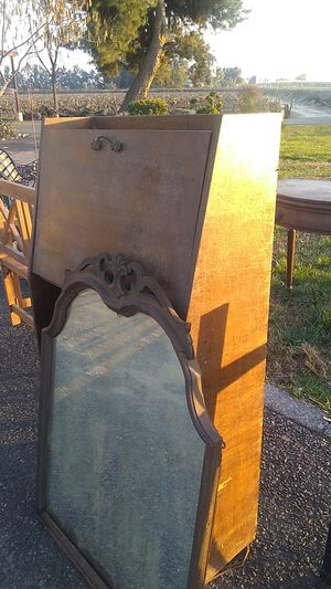 Antique desk with mirror for Sale in Fresno, CA