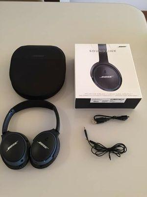 BOSE SoundLink around the ear wireless headphones for Sale in Sacramento, CA
