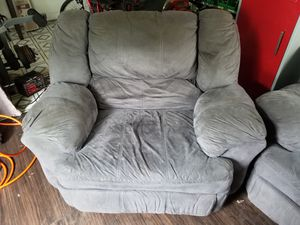 Lazy Boy & Love Seat Both Recline for Sale in Colona, IL