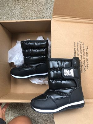 Kids snow boots girls size 28 new for Sale in Buena Park, CA