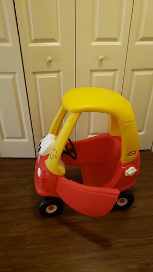 Little tikes cozy coupe for Sale in Ashburn, VA