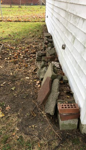 Free! Pavers, cinder block and brick. for Sale in Redford Charter Township, MI