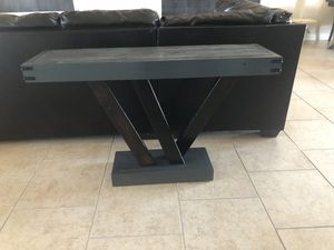 Wood console table for Sale in Phoenix, AZ