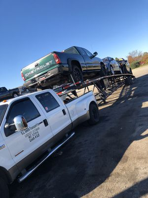 2006 Ford F-350 and 2008 Kaufman 3 car trailer for sale for Sale in Chicago Heights, IL