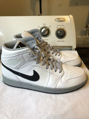 PADS Jordan 1 Mid White Cement -Size 9.5 for Sale in Seattle, WA