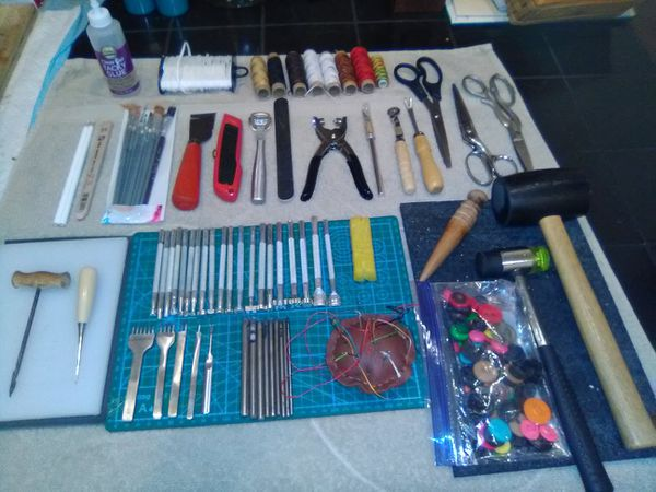 Make Offer!!! Lot of 80+ Leathercraft Tools & More