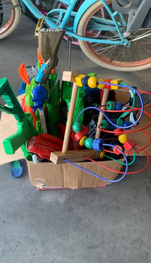 Free toys for Sale in Ceres, CA