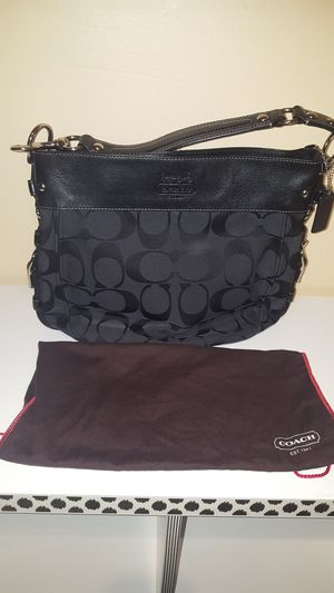 Black coach hobo for Sale in Miami, FL