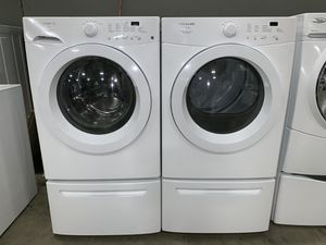 FRIGIDAIRE WASHER DRYER ELECTRIC SET for Sale in Vancouver, WA