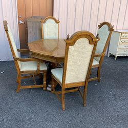 Tiger Oak Dresser And Six Chairs - Delivery Available for Sale in Tacoma,  WA