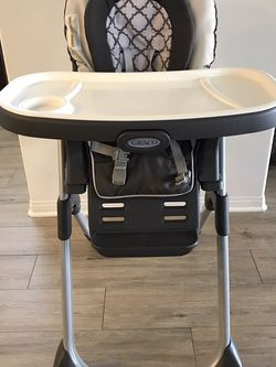 Graco Convertible High Chair for Sale in Los Angeles,  CA