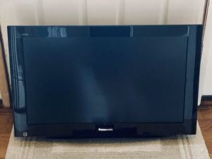 "Panasonic Viera 32"" 720p LCD-HDTV Flatscreen - Mint for Sale in Manchester, MO"