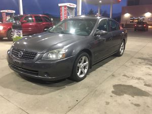 2006 Nissan Altima runs and drives excellent for Sale in Milwaukee, WI