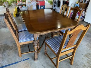 Vintage/Antique China Cabinet & Dining Set for Sale in Buena Park, CA