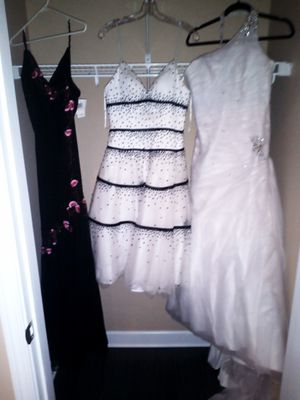 Size 8-10 dresses.. Wedding, cocktail and evening gown. for Sale in Findlay, OH