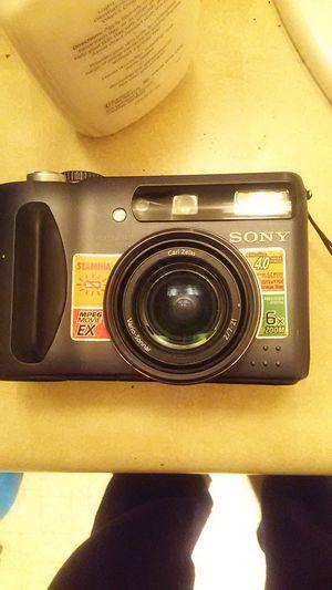 Sony Cybershot DSC-S85 4.1 Mega Pixels Digital Camera for Sale in Seattle, WA