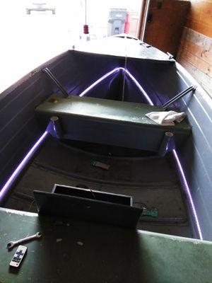 Boat trade for bigger boat for Sale in Roseville, MI