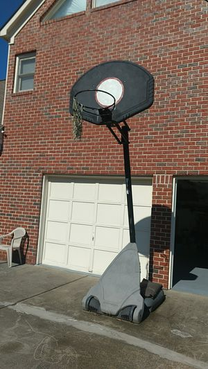 Basketball Hoop (with new net) for Sale in Snellville, GA