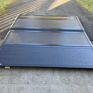 Ford F-150 Low Profile Hard Tonneau Cover for Sale in Joint Base Lewis-McChord, WA