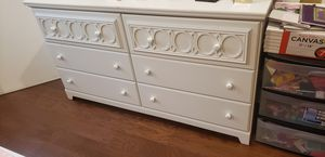 Twin Size white girls bedroom set with under bed storage and matching dresser with mirror for Sale in Auburndale, FL