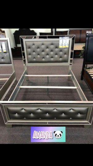 Queen bed frame for Sale in Glendale, AZ