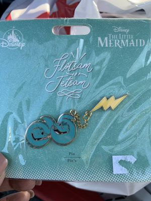Fletsum and Jetsom DISNEY LITTLE MERMAID COLLECTIBLE PIN. NEW!! for Sale in Fresno, CA