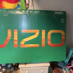 "43"" Class V-Series LED 4K UHD Smart VIZIO SmartCast TV for Sale in Bridgeport, CT"