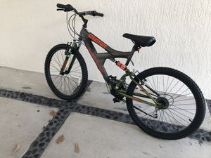 """Vertical Gauntlet 24"""" Bike for Sale in Fort Lauderdale, FL"""